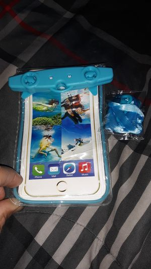 UNDERWATER PHONE CASE for Sale in Milwaukee, WI