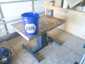 Electric lift table for Sale in Gig Harbor, WA
