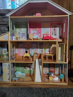 Big doll house for Sale in Pasco, WA