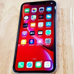 iphone XR unlocked 64GB with Large 6.1 Inch Screen for Sale in Chamblee,  GA