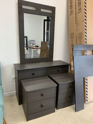 5PC BEDROOM SET PICK UP TODAY for Sale in Chino, CA