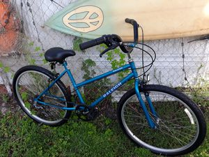 Women's Raleigh beach cruiser with gears for Sale in Pembroke Pines, FL