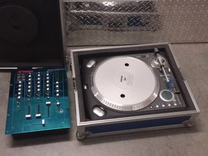 Numark TTX USB Professional DJ turntable ortofon & blue Vestax PCV-175 DJ mixer for Sale in Portland, OR