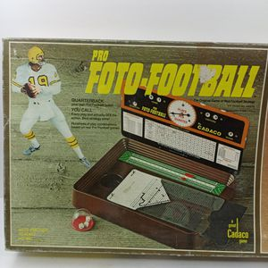 VINTAGE 1977 Pro FOTO-FOOTBALL BOARD GAME for Sale in Waterbury, CT