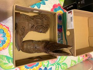 Girls boots for Sale in Pharr, TX