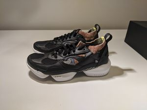 Reebok 3D OP Pro running shoes size 9 mens sneakers for Sale in Aloha, OR