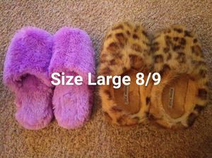 Womens slippers sz Large 8/9 for Sale in Woodbridge, VA