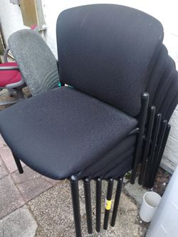 NINE MATCHING STACKABLE LOBBY CHAIRS for Sale in Tampa,  FL