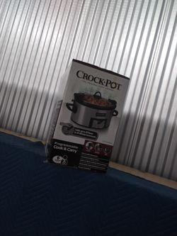 Crock pot brand new in box still. for Sale in Chicago,  IL