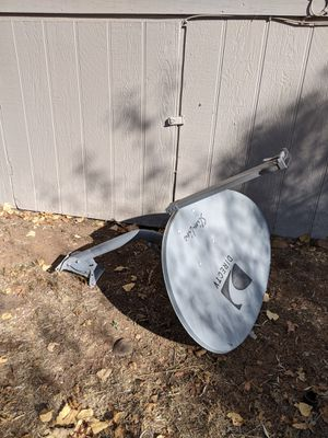 Direct TV dish with mounting bracket. for Sale in Show Low, AZ