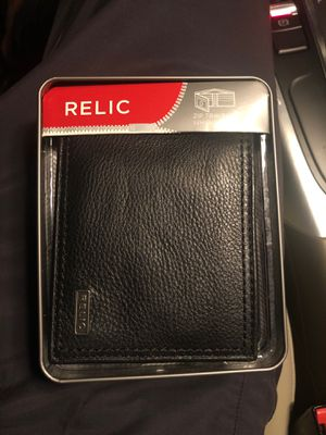 Relic zip traveler genuine leather wallet for Sale in Ontario, CA