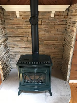 Water Emerald Vented Gas Heater/Stove for Sale in Pelham, NH