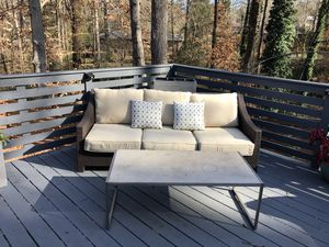 Outdoor sofa and coffee table for Sale in Atlanta, GA