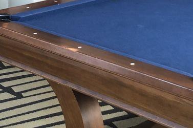 Brunswick 8.5 ft Pool Table for Sale in Alexandria,  VA