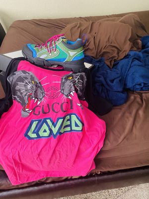 Real Gucci some with receipt shoe size 11 shirt 2xl for Sale in Jacksonville, FL