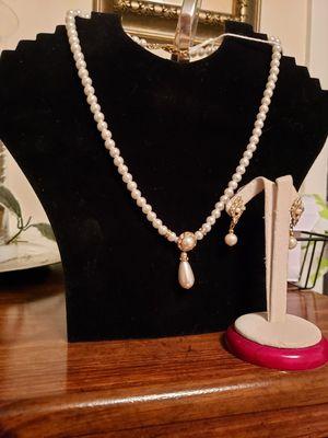 Teardrop necklace with earrings for Sale in Washington Township, NJ