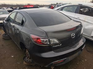 2013 Mazda 3 For Parts Only! for Sale in Fresno, CA