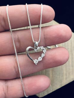 PLATA /WOMEN/925 STERLING SILVER NECKLACE / HEART for Sale in Whittier,  CA