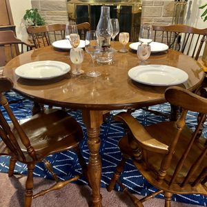 Rare SET of Ethan Allen Early American FIDDLEBACK DINING CHAIRS AND TABLE for Sale in Tacoma, WA