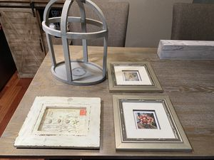 Home Decor - 3 pics and 1 cage $10 for Sale in Tempe, AZ