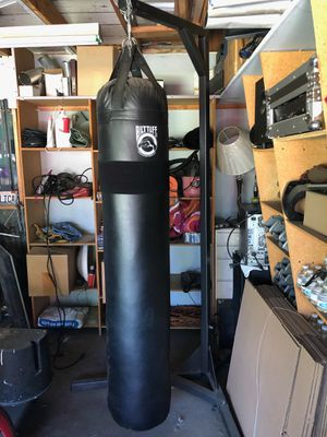 Punching bag for Sale in Baldwin Park, CA