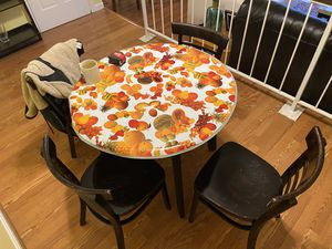 Kitchen Breakfast Table and Chairs Set for Sale in Gaithersburg, MD