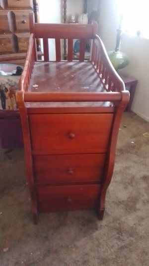 Changing table for Sale in Hesperia, CA