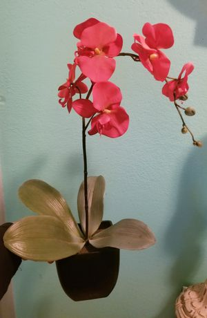 Red Flowers with pot...Size 1 ft tall..Good Condition! for Sale in Oakdale, CA