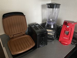 Kitchen Appliances (Grill, Toaster, Blender, & Can opener) for Sale in Virginia Beach, VA