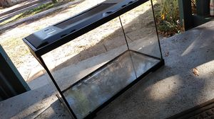 Amphibian cage or fish tank need gone asap for Sale in Orlando, FL