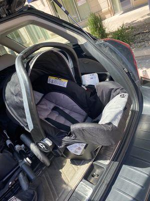 Baby trend infant car seat for Sale in Salt Lake City, UT