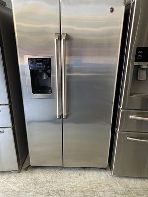 Refrigerator GE Side by Side for Sale in Kissimmee, FL