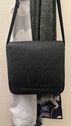 Michael Kors messenger bag for Sale in Fontana, CA