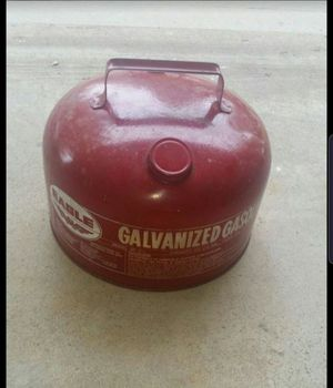 Buy this vintage 2 gallon gallon galvanized gas can perfect for small boat. Fishing season is here. for Sale in Joliet, IL