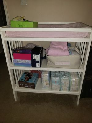 White diaper changing table for Sale in Tustin, CA