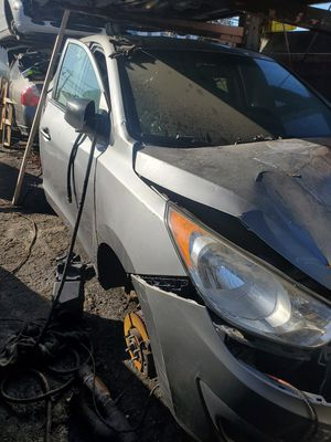 2012 Hyundai TUCSON FOR PARTS for Sale in Queens, NY