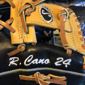 Spaulding Baseball Glove for Sale in Hayward, CA