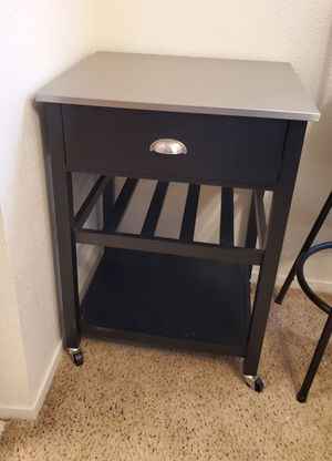 Microwave table for Sale in Lodi, CA