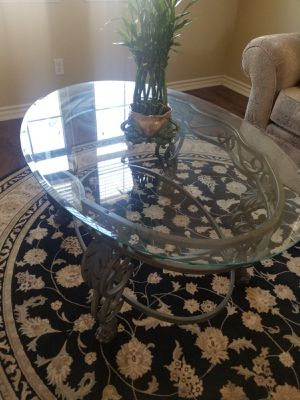 Coffee table for Sale in San Marcos, CA