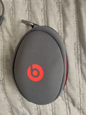 Beats solo wireless 3 headphones for Sale in Miami Gardens, FL