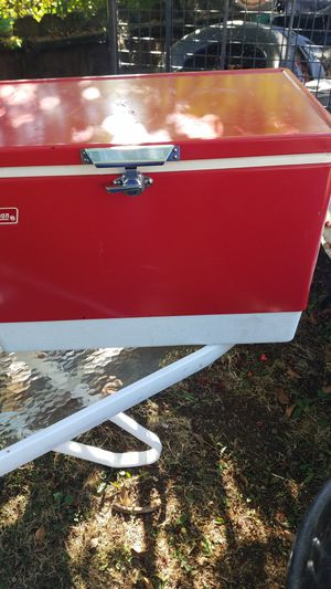 Coleman snow-lite 13 1/2 gallon cooler for Sale in Modesto, CA