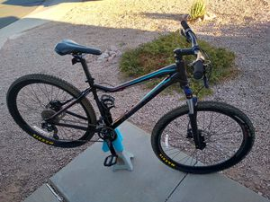 LIKE NEW Giant LIV Tempt 3 women's mountain bike for Sale in Mesa, AZ
