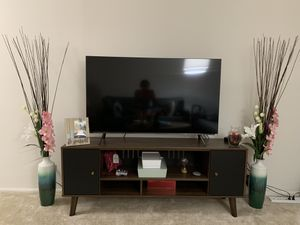 Ashleys TV stand for Sale in Chicago, IL