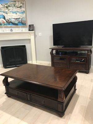 MOVING SALE!! 2016 purchased for Sale in Santa Monica, CA