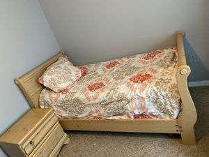 Matching Twin Bed Set for Sale in St. Cloud, FL