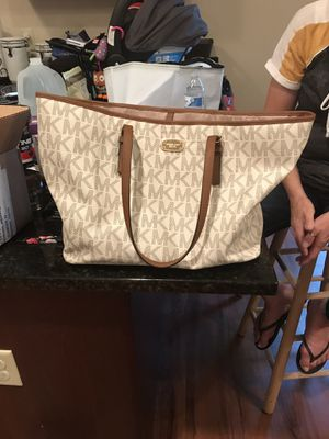 Michael Kors Tote Purse for Sale in Martinsburg, WV