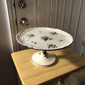 AMAZING VINTAGE HAND PAINTED CAPRIWARE FINE CHINA CAKE STAND! for Sale in Sandy, UT