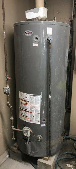 98 Gal Rheem water heater input 75.000 BTU (IT WORKS) (IT WORKS) for Sale in Detroit, MI