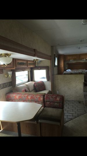 2006 Jayco Jayflight 26' Fifth wheel Camper for Sale in North Canton, OH