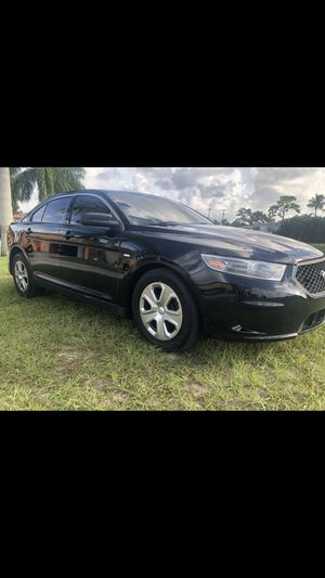 2014 FORD TAURUS POLICE INTERCEPTOR LOW MILES MAKE PAYMENTS for Sale in Pembroke Pines, FL